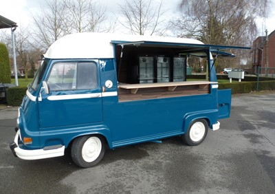 Mobile Champagne Bar Renault Estafette